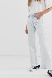 Free People - Ausgestellte Jeans mit hoher Taille und ausgefranstem Saum - Blau - Farbe:Blau