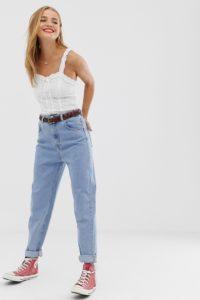 Pull&Bear - Blaue Mom-Jeans mit elastischer Taille - Blau - Farbe:Blau