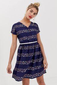 Yumi - Grafisch gestreiftes Skaterkleid mit Gürtel - Mehrfarbig - Farbe:Mehrfarbig