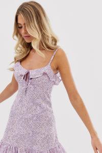 Wednesday's Girl - Camisole-Minikleid mit Bindedetail vorne und Pünktchenmuster - Violett - Farbe:Violett