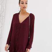 Missguided - Geknöpftes Minikleid in Weinrot mit plissiertem Saum - Rot - Farbe:Rot