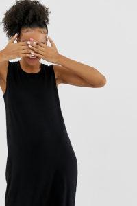 Monki - Ärmelloses Minikleid aus schwarzem Jersey - Schwarz - Farbe:Schwarz