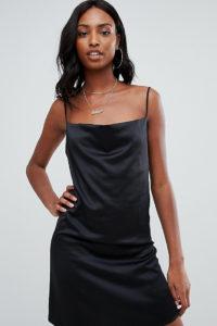 Missguided Tall - Mini-Trägerkleid mit Wasserfallausschnitt - Schwarz - Farbe:Schwarz