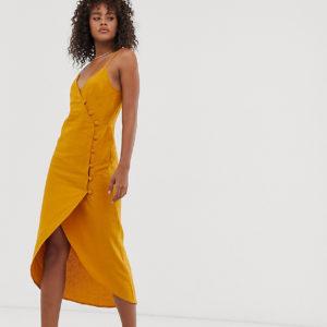 ASOS DESIGN Tall – Gewickeltes Maxi-Trägerkleid mit Knopfdetail – Gelb