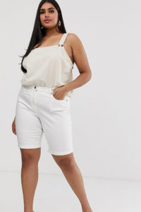 Simply Be - Lang geschnittene Denim-Shorts in Weiß - Weiß - Farbe:Weiß