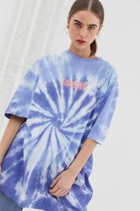 Crooked Tongues - Oversize-T-Shirt mit Batikmuster und Logoprint - Violett - Farbe:Violett