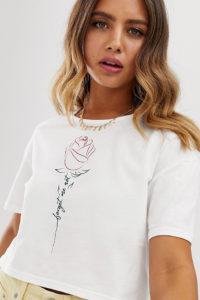 Wednesday's Girl - Kurzes T-Shirt mit Rosengrafik - Weiß - Farbe:Weiß