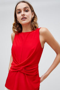 Warehouse - Ärmellose Bluse mit drapierter Taille in Rot - Rot - Farbe:Rot