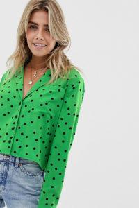Wednesday's Girl - Bluse mit kontrastierendem Punktemuster - Grün - Farbe:Grün