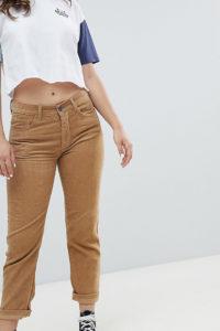 Pull&bear - Braune Mom-Jeans aus Cord - Braun - Farbe:Braun
