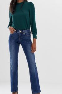 ASOS - Jeans-Schlaghose in dunkler Waschung - Blau - Farbe:Blau