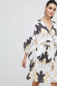 Flounce London - Gemustertes Satin-Midikleid mit drapierter Vorderseite und Kimono-Ärmeln - Mehrfarbig - Farbe:Mehrfarbig