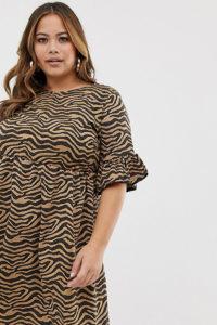 Missguided Plus - Hängerkleid mit Rüschenärmeln und Tierfellmuster - Mehrfarbig - Farbe:Mehrfarbig