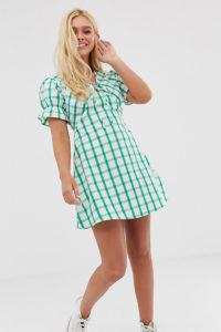Wednesday's Girl - Mini-Freizeitkleid mit Bindedetail vorne und Gitterkaros - Grün - Farbe:Grün