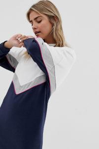 Wednesday's Girl - Sweatshirt-Kleid mit Retro-Blockfarben - Weiß - Farbe:Weiß